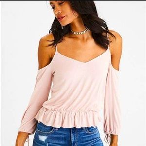 Soft & Sexy AEO cold shoulder Top